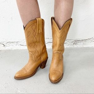 Frye Vintage 70's Tan Western Leather Boots Size 7